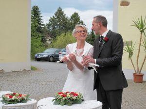 2017-010-HochzeitMitTaubenauflass