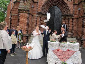 2017-024-HochzeitMitTaubenauflass
