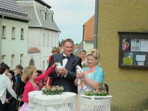 2017-026-HochzeitMitTaubenauflass