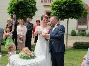 2017-038-HochzeitMitTaubenauflass