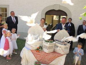 2017-047-HochzeitMitTaubenauflass