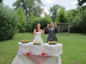 2017-053-HochzeitMitTaubenauflass